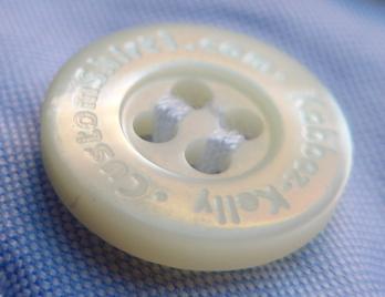 Пуговица брендированная из перламутра